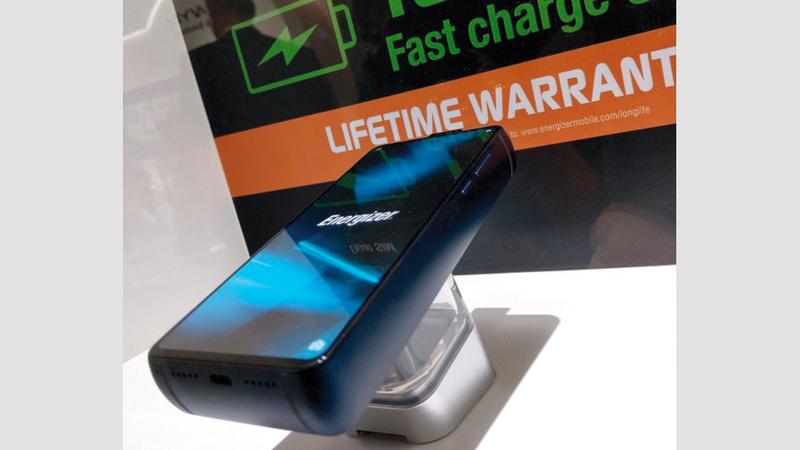 الكشف عن هاتف ذكي جديد ببطارية 18 ألف مللي أمبـير في الساعة