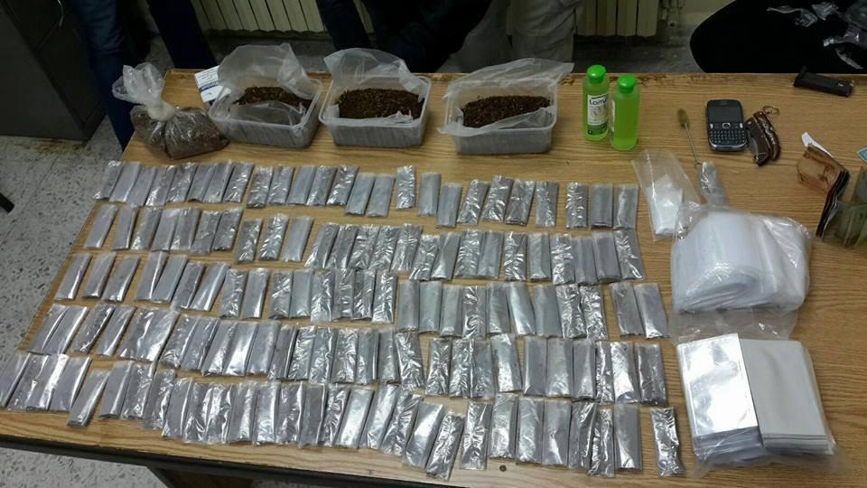 """القبض على احد مروجي المخدرات في حي نزال وضبط كميات كبيرة من مادة """"الجوكر"""""""