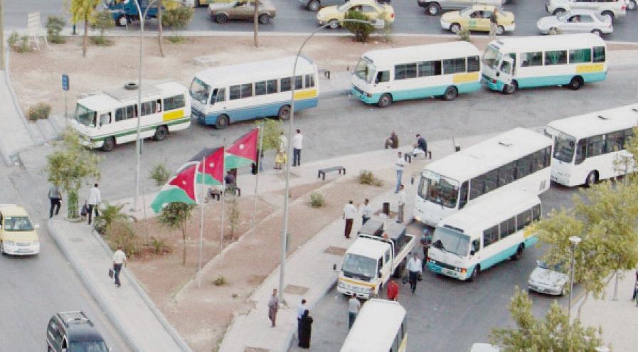 رفع السعة المقعدية في وسائط النقل العام إلى 75 %
