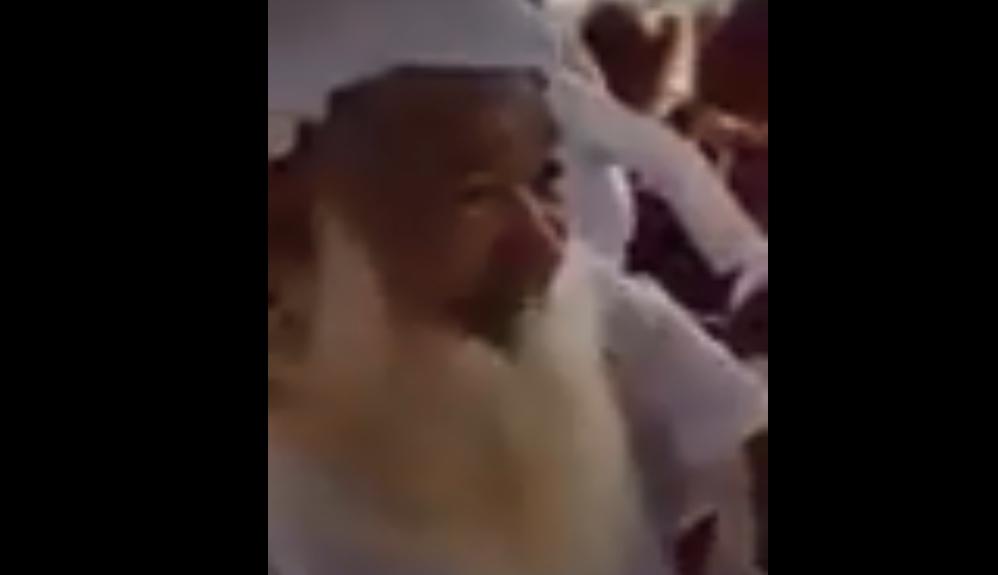 """بالفيديو  ..  رغم بلوغه 95 عاماً ..  مسن إماراتى يدخل """"عش الزوجية"""" للمرة الثالثة"""