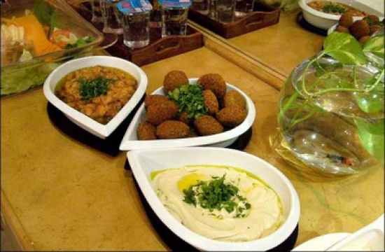 نقيب اصحاب المطاعم : إجماع على رفع سعر الحمص والفلافل
