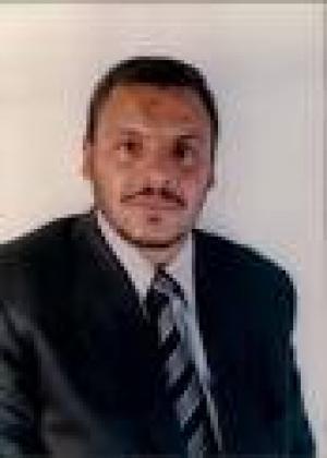 تهنئة للدكتور محمود الطهراوي بمناسبة حصوله على درجة الدكتوراة في ادارة الأعمال