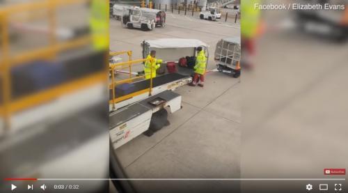 بالفيديو  ..  هذا ما يفعله عمال المطارات بحقائب المسافرين؟