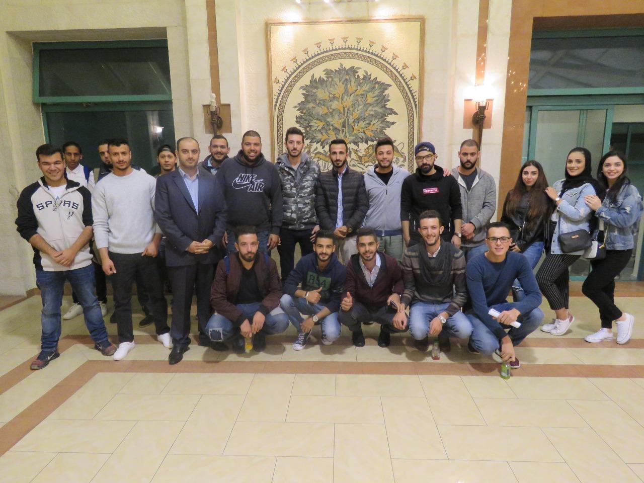 جامعة فيلادلفيا في زيارة علمية لسوق عمان المالي