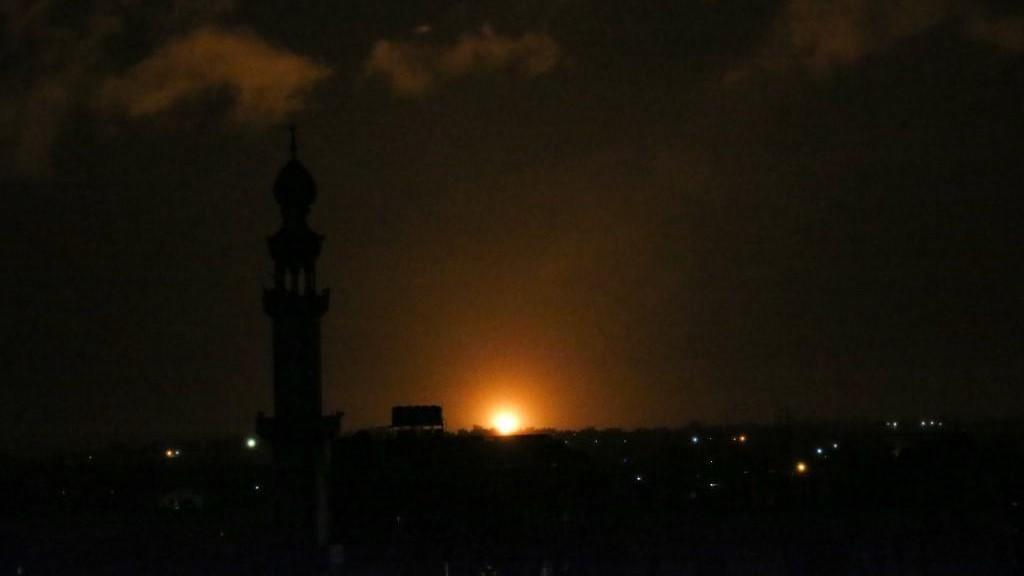 طائرات الاحتلال الصهيوني تقصف عدة مواقع