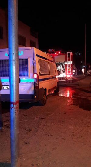 بالفيديو والصور ..حريق في مبنى تابع لجماعة الاخوان المسلمين في المفرق