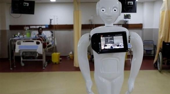 روبوت يساعد مرضى كورونا على التواصل مع ذويهم