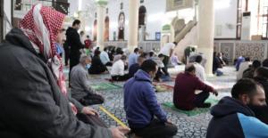 الأوقاف تعلن ساعة رفع الحظر الشامل لأداء صلاة الجمعة