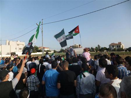 الأمن يفض اعتصاماً أمام السفارة السورية بعد انطلاقه بدقائق