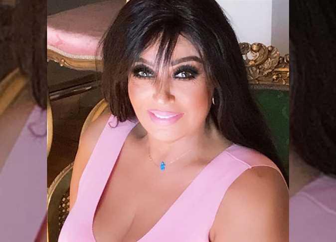 """فيفي عبده: """"اشتغلت ليل ونهار عشان أدبر فلوس الحج لأمي وأبويا"""""""