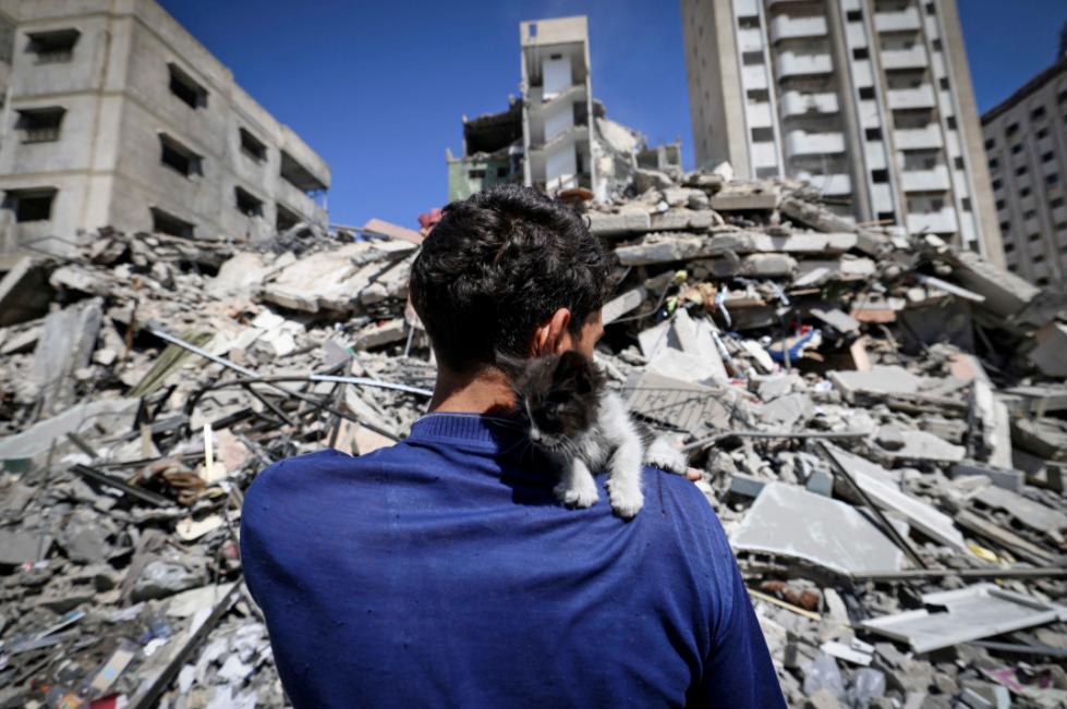 """مصادر تكشف لأول مرة عن قبول """"حماس"""" بدور للسلطة في إعادة إعمار غزة بعد موقف الكيان الصهيوني"""