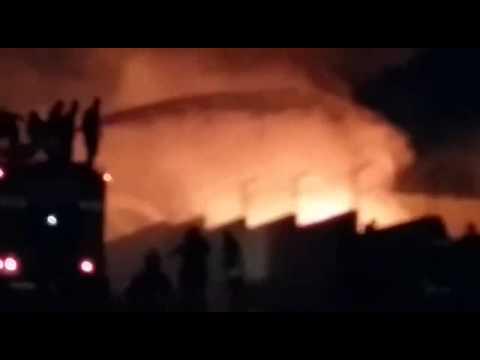 بالفيديو..عمان: حريق هائل بمصنع دهانات في المقابلين