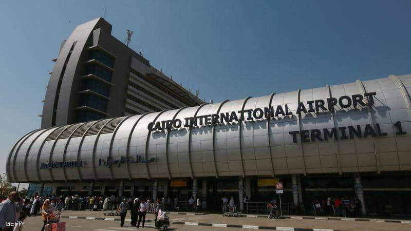 لهذا السبب ..  طائرة بمطار القاهرة تقلع براكبة واحدة