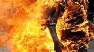 بعد سهرة مع صديقيه .. يشعل فيهما النار بدبي