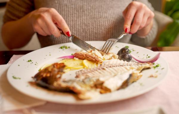 ماذا يحدث لجسدك إذا أكلت السمك كل يوم؟