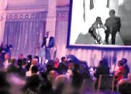 بالصور ..  عريس يفضح خيانة عروسته في حفل زفافهما  .. تفاصيل