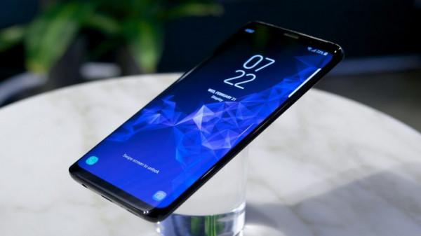 """""""سامسونج"""" تنشئ مصنعا لإنتاج شاشات الهواتف بكلفة ضخمة"""