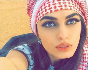 بالصور .. من هي عارضة الازياء الأردنية التي تفوقت بجمالها على أشهر عارضات العالم!