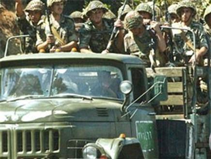 مقتل 48 جندياً سورياً في العراق برصاص مجهولين
