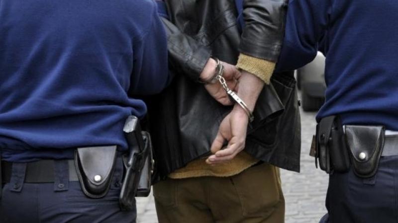 القبض على مصنف خطير  بحقه 15 طلب امني في إربد