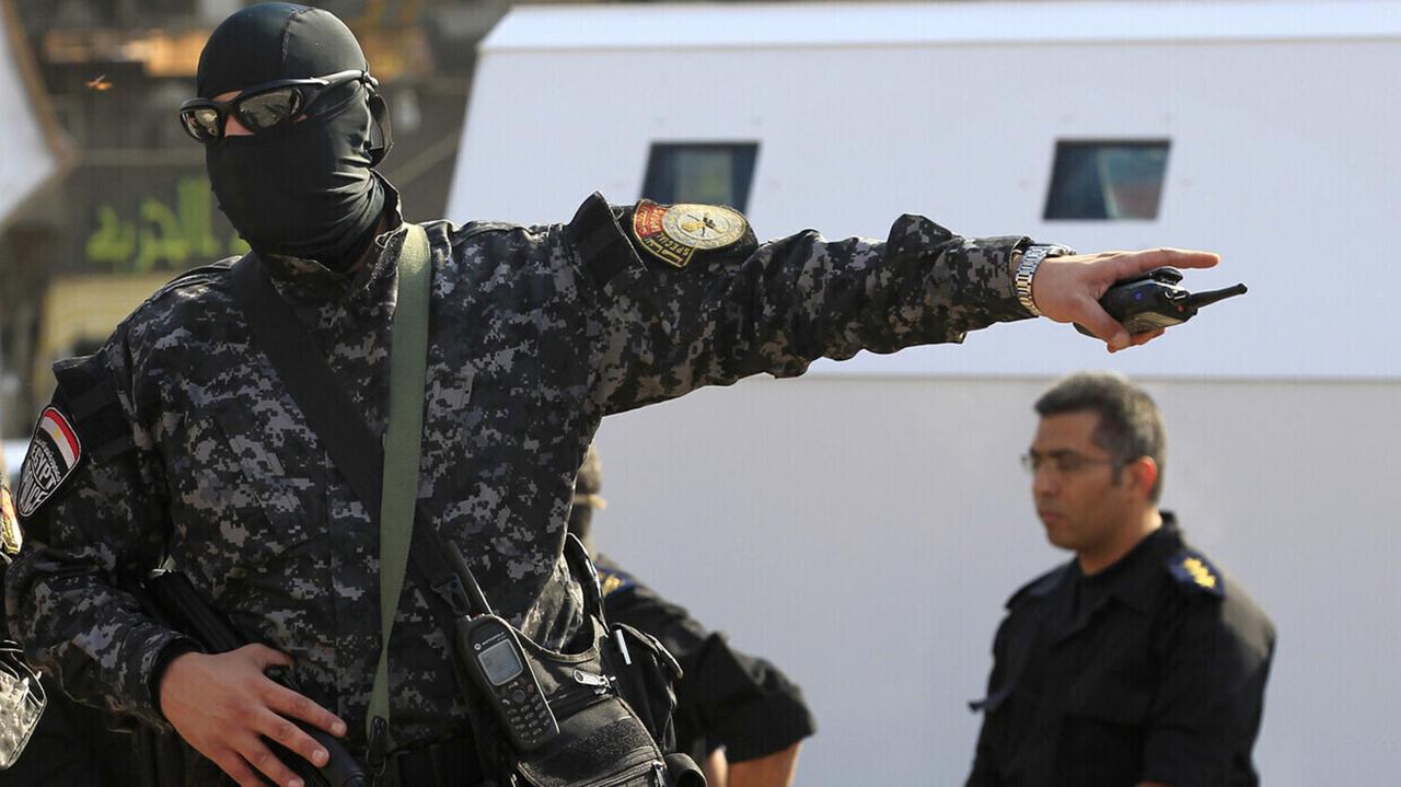 القبض على رجل أعمال مصري هارب من 160 حكماً قضائياً