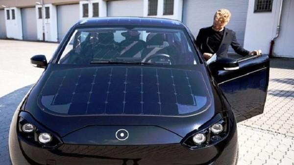 ألمانيا تطلق أول سيارة كهربائية تعمل بالطاقة الشمسية في 2019