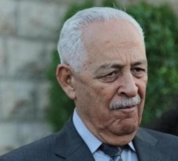 العيسوي ينقل تعازي الملك بوفاة نجل شقيق محافظ العاصمة