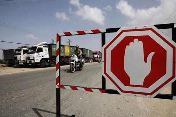 الاحتلال يوقف ضخ السولار والبنزين إلى قطاع غزة