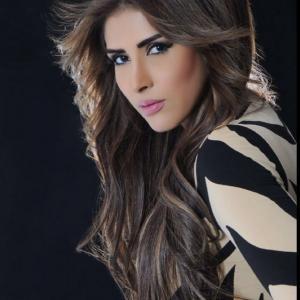 زهرة عرفات تشبه نفسها بالموناليزا