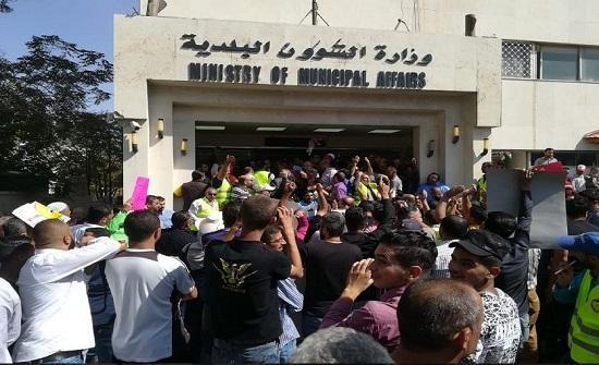 عمال البلديات يعتصمون الأسبوع القادم للمطالبة بتنفيذ مطالبهم