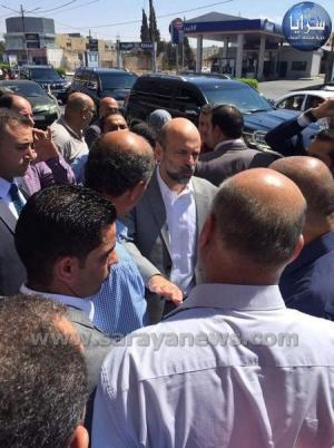 بالفيديو والصور  ..  الرزاز يقوم بزيارة مفاجئة لمديرية مياه اليرموك في اربد