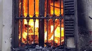 مجهولون يحرقون منزلاً بالحسا على خلفية جريمة قتل