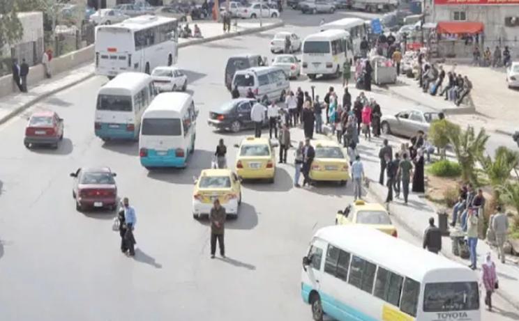 رغم عودة القطاعات للعمل ..  طلب ضعيف على النقل العام والمحروقات