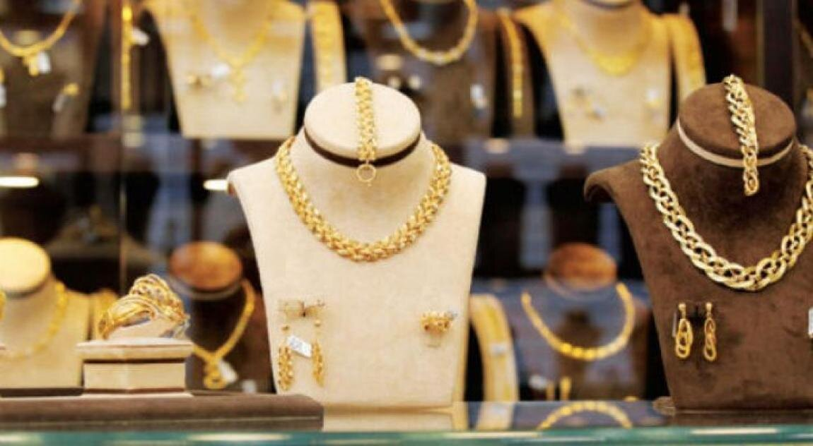 انخفاض أسعار الذهب دينارا واحدا بالسوق المحلية