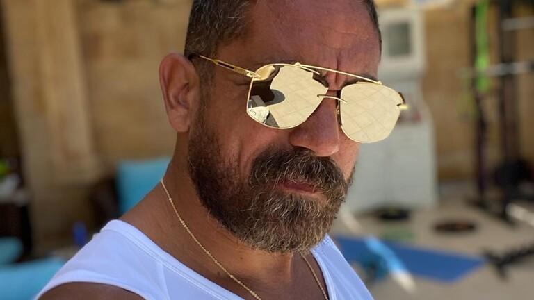 ممثل مصري مشهور يعلن شفاءه من كورونا  .. صور