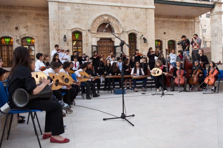 """بالصور .. المعهد الوطني للموسيقى في فلسطين """"رؤية وطنية فلسطينية """""""