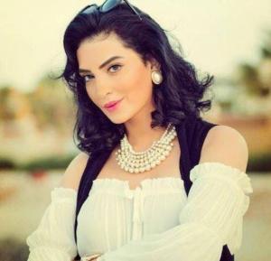 """بالصور  ..  فيفي عبده تبعث رسالة دعم إلى حورية فرغلي """"الضربة اللي مابتموتش بتقوي"""""""