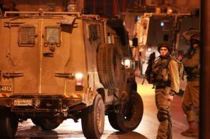 الاحتلال يعتقل 3 شبان برام الله والخليل