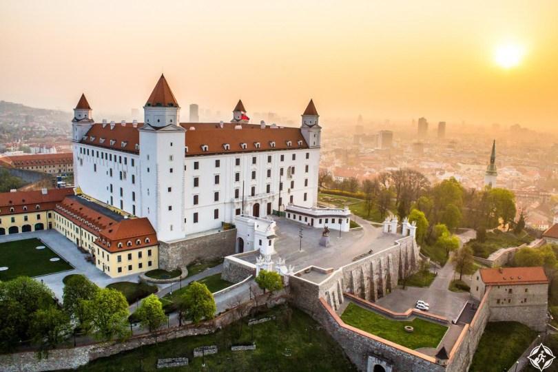 دليلك السياحي إلى مدينة براتيسلافا .. صور