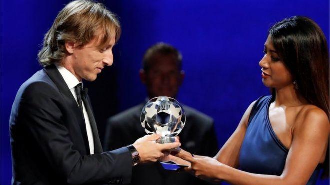"""لمن صوت الاردنيون  ..  هكذا صوت العرب في جائزة """"الفيفا"""" لأفضل لاعب"""