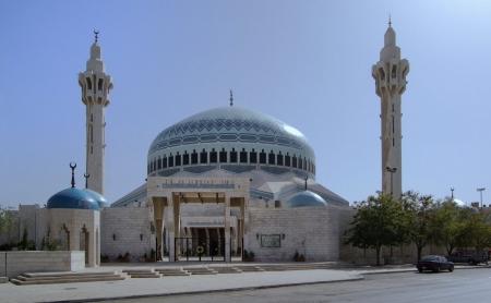 السماح للمواطنين بالوصول الى المساجد الجمعة سيرا على الاقدام بين 11- 2