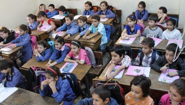 مسؤول سوري يُعلّق على تدريس السوريين في الاردن