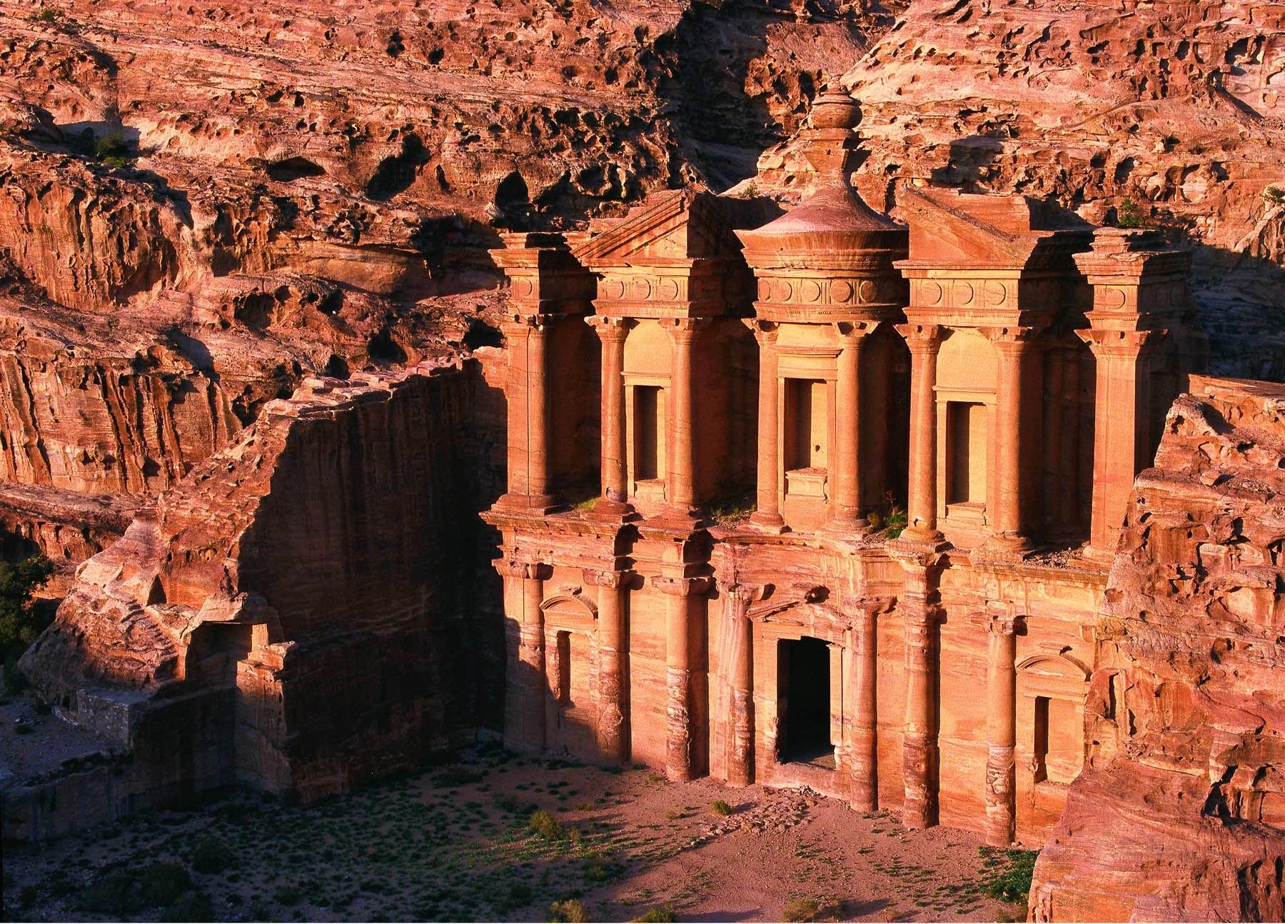 وزارة السياحة تطرح فكرة إنشاء صندوق للمخاطر السياحية