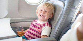 أخيرًا ..   وداعًا لإزعاج الأطفال في الطائرات ..  هذا هو الحل