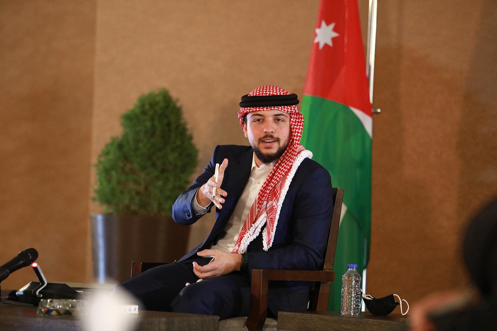 #حمى_الله_الحسين ..  آلاف الأردنيين يتفاعلون مع إصابة الأمير