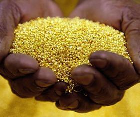 الذهب يتراجع صوب أكبر خسارة سنوية له منذ 1981