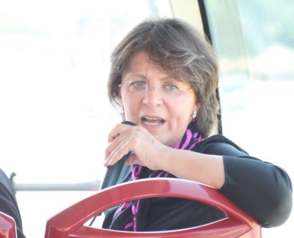 وزيرة السياحة لسرايا: لن اعتذر ..  وكتاب المحجبات لم يحمل اساءة وما حصل هو خطأ ترجمة