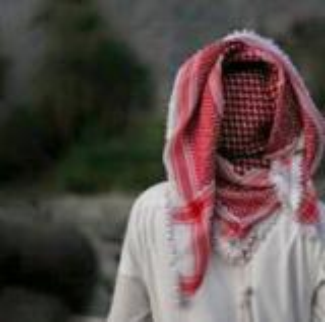 فاعل خير يرفض الكشف عن هويته يوزع كوبونات مواد غذائية على المحتاجين في ابو نصير ..  صورة