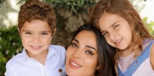 """بالفيديو  ..  نادين نجيم تروي تفاصيل إصابتها بالانفجار: """"نص وجي وجسمي دم"""" ..  ماذا حل بطفليها؟"""