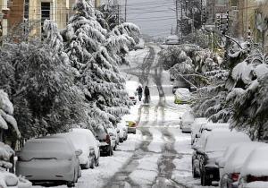 توقع تساقط الثلوج نهاية الخريف